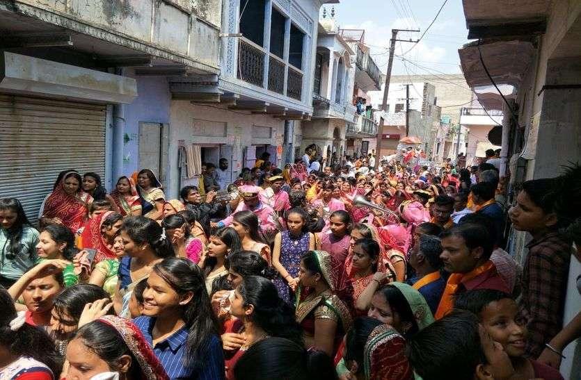 रथयात्रा में उमड़ा श्रद्धा का सैलाब