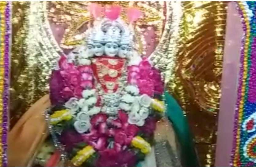 बंगाल के बाद फिरोजाबाद के इस कस्बे में मां कामाख्या देवी के मंदिर पर मनाया जाता है अम्बु बाची महोत्सव, देखें वीडियो