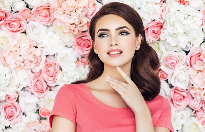 Beauty Tips : डिफरेंट आई शेड्स से मिल रहा है कैची लुक, ऐसे खूबसूरत बनाएं अपनी आंखें