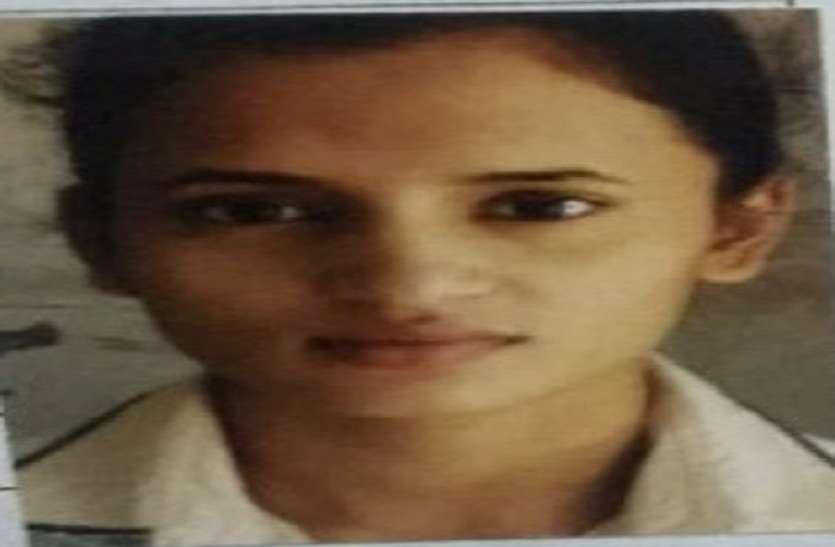 रुहेलखण्ड मेडिकल कॉलेज की छात्रा का फंदे पर लटका मिला शव