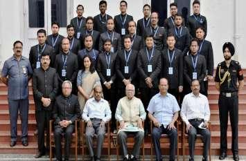 राज्यपाल से मिले भारतीय प्रशासनिक सेवा एवं भारतीय वन सेवा की परिवीक्षाधीन अधिकारी