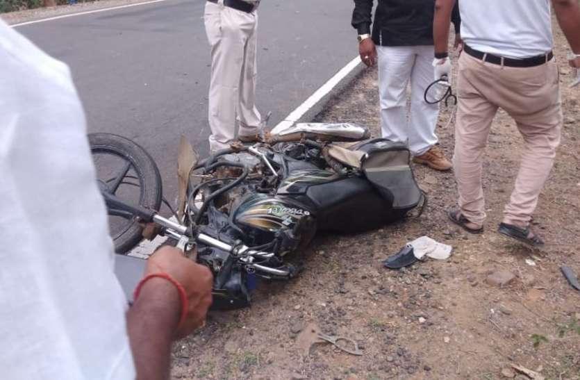 ट्रक की टक्कर से बाइक चालक की मौके पर मौत, चालक फरार