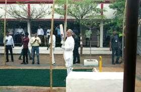 भारत के पूर्व दिग्गज स्पिनर अनिल कुंबले की गेंद पर CM भूपेश बघेल ने मारा Six, देखें वीडियो