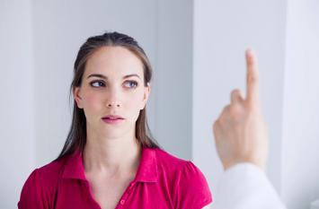 आँखों को सेहतमंद रखने के लिए 3-4 बार करें ये एक्सरसाइज