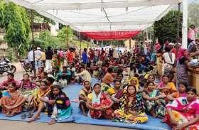 हिरोली पंचायत मामला : ग्रामीणों ने कहा, जब तक वो भगौड़ा सचिव नहीं आ जाता तब तक......