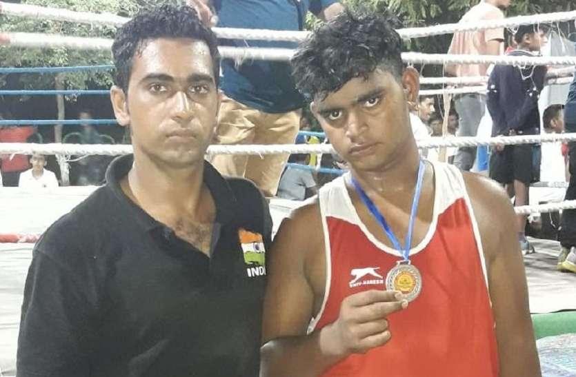 जैसलमेर के मुक्केबाज ने बॉक्सिंग प्रतियोगिता में जीता रजत पदक