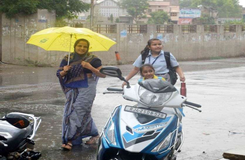 किशनगढ़ में तेज धूप के बाद आसमान से बरसी राहत