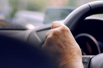 जगह के नाम में एक अक्षर की ग़लती, कार सवार 81 साल के बुजुर्ग को ले गई 1400 किलोमीटर दूर