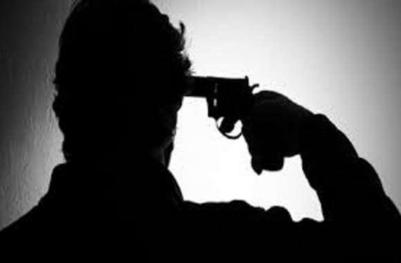देर रात अचानक सीआरपीएफ कैंप में आई गोली चलने की आवाज, अन्य जवानों ने आकर देखा तो..........