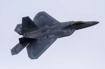 ईरान-अमरीका के बीच बढ़ा तनाव, यूएस ने कतर में F-22 स्टील्थ फाइटर्स किया तैनात