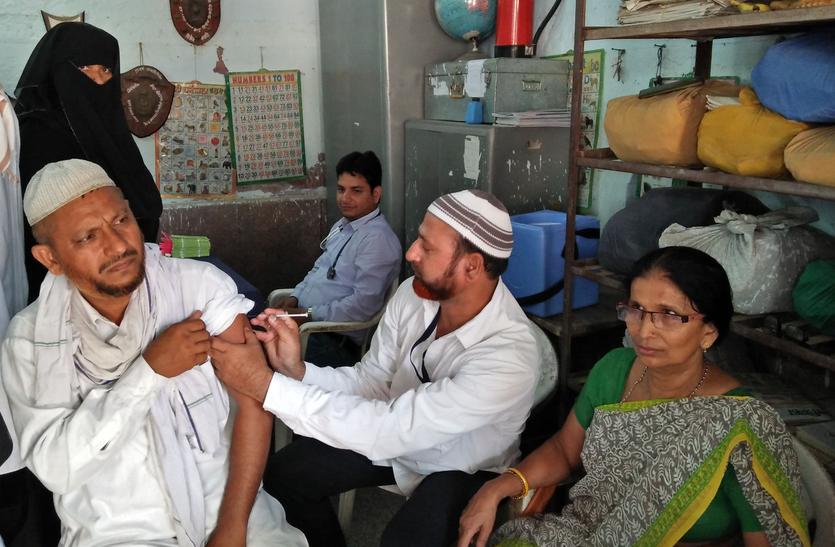 हज यात्रियों को दिया प्रशिक्षण, लगाए टीके,84 जनों को मदीने वाले का बुलावा