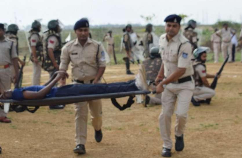 जब दंगाइयों से भिड़े जवान, पचौर पुलिस लाइन में बलवा ड्रिल का प्रदर्शन