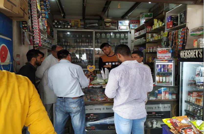 मुरथल के 21 ढाबों-रेस्टोरेंट पर ड्रग कंट्रोल की रेड, हजारों की विदेशी और नकली सिगरेट जब्त
