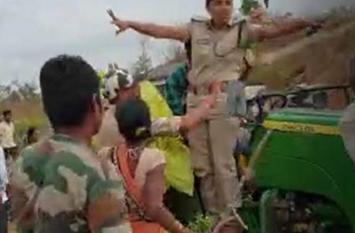 महिला वन अधिकारी पर हमला, टीआरएस विधायक का भाई गिरफ्तार
