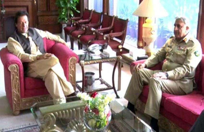 इमरान खान और कमर बाजवा