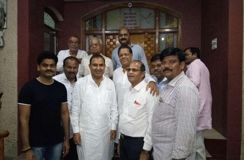 नई रेलवे लाइन, केन्द्रीय विद्यालय के लिए मांगा सहयोग