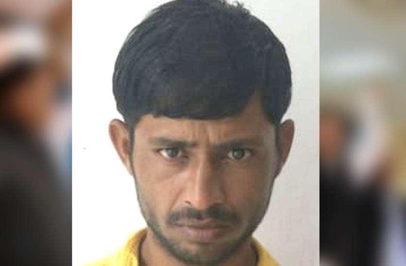 नाबालिग से सामूहिक बलात्कार मामले में एक गिरफ्तार, दो फरार आरोपियों की तलाश जारी