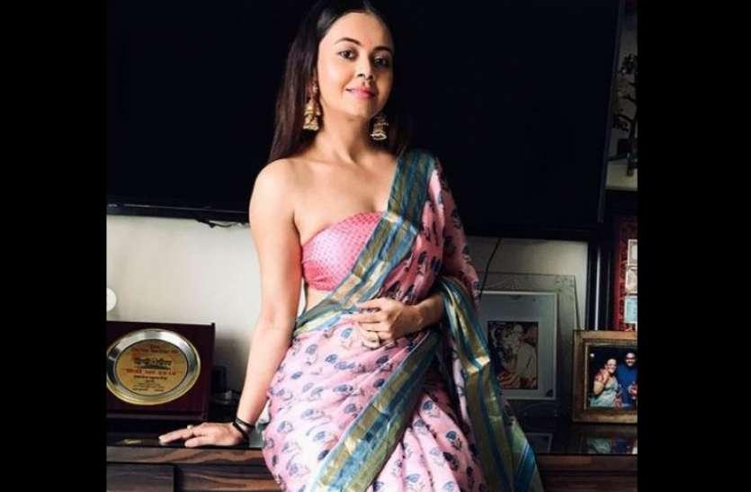 संस्कारी बहू से बोल्ड हुईं गोपी बहू ने पहना ऐसा ब्लाउज, ट्रोर्ल्स ने कहा-'इसे भी मत पहनो...'