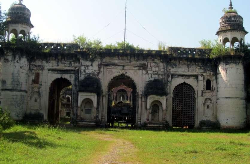 गोविन्दगढ़ किले केप्राचीन मंदिर में चोरी,पहले भी बदमाशों के निशाने पर रहे हैं मंदिर