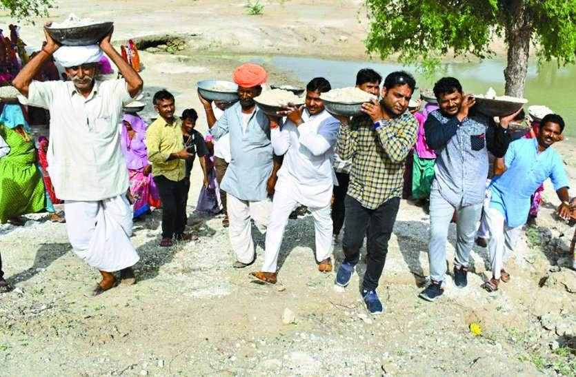 भोमिया नाडे पर ग्रामीणों ने किया श्रमदान