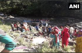 जम्मू-कश्मीर: किश्तवाड़ बस हादसे में अब तक 35 यात्रियों की मौत, PM मोदी और गृह मंत्री ने जताया दुख