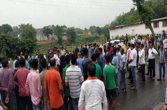बैकुंठपुर में एक साथ चार युवकों की उठी अर्थियां, शवों को कंधा देने उमड़ा जनसैलाब