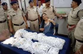 रेलवे पुलिस बोली- ये चोरी का माल है, चलो थाने और सराफा व्यापारी से लूट लिए 97 किलो चांदी के गहने