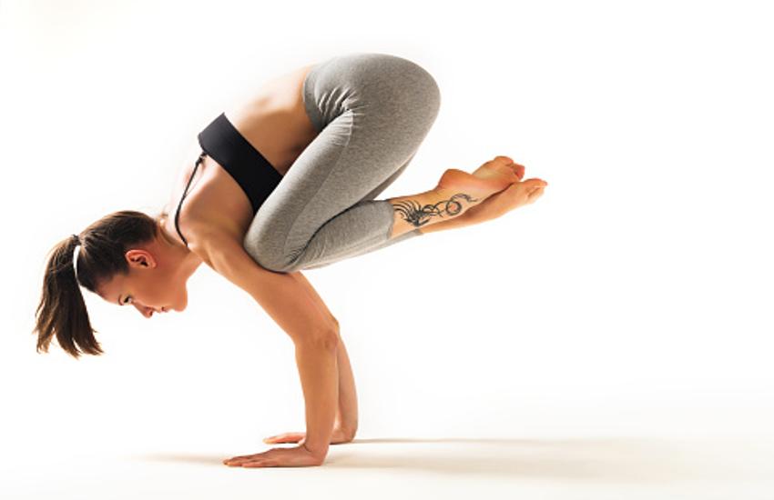 योगासन जो हाथों की मांसपेशियों को बनाएंगे मजबूत