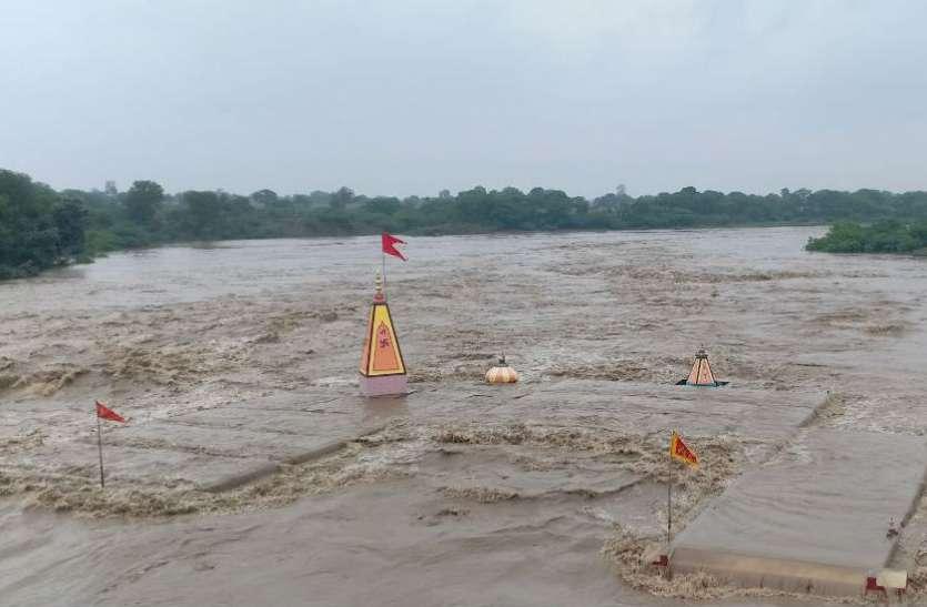 जब-जब डूबता है मां चामुंडा का मंदिर, तब-तब होती है कुछ अनहोनी, जानिए इससे जुड़ी दिलचस्प बातें
