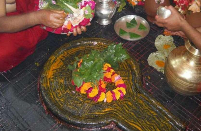 यहां स्थापित है 'कामनालिंग', जानें मंदिर के शीर्ष पर लगे 'पंचशूल' का रहस्य