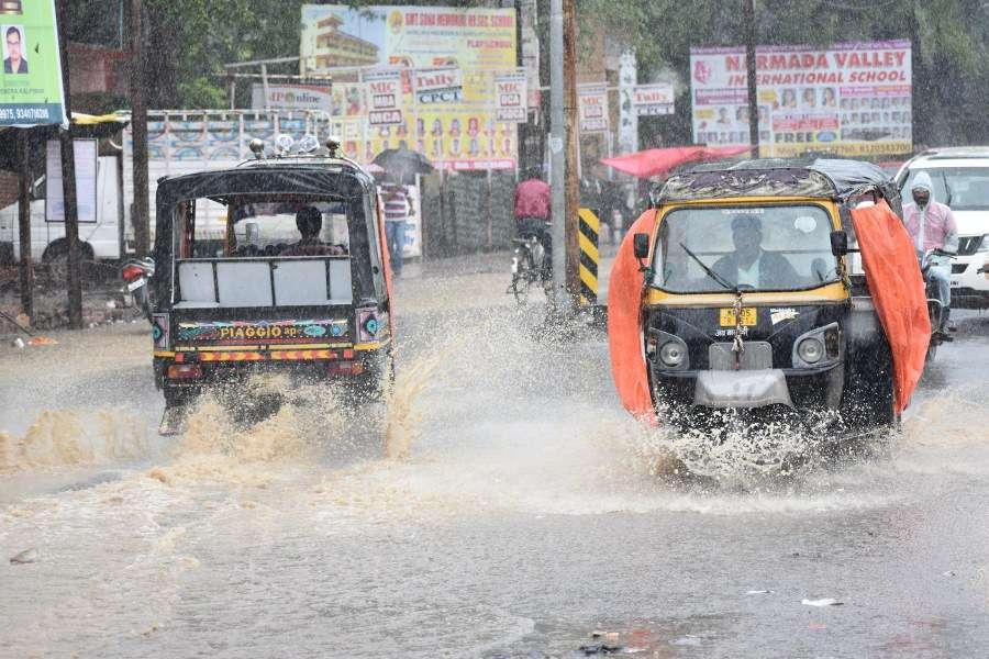 havy rain in hoshangabad
