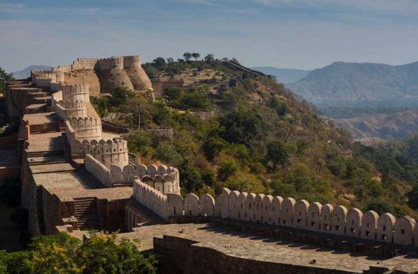 कुंभलगढ़ दुर्ग से 500 मीटर नीचे घने जंगल में बने 13 टापरे में रहने वाले लोगों की जिंदगी हुई 'रोशन'