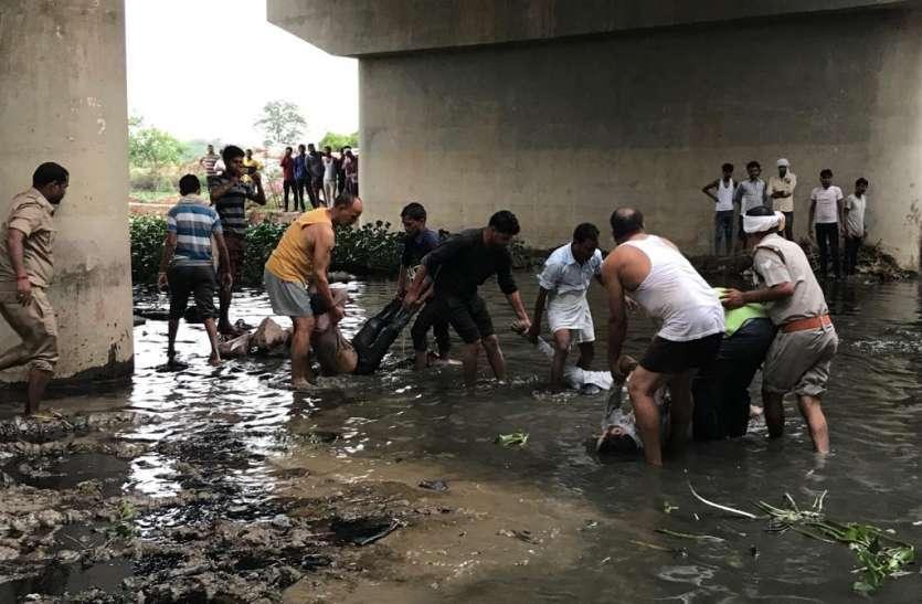 Agra Bus Accident: जिसने भी हादसे का मंजर देखा, अपने आंसू रोक न पाया, जानिए अब तक का पूरा घटनाक्रम...