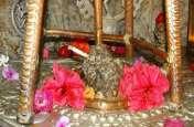इस मंदिर में भोलेनाथ बड़े चाव से पीते हैं सिगरेट, नाम है लुटरू महादेव