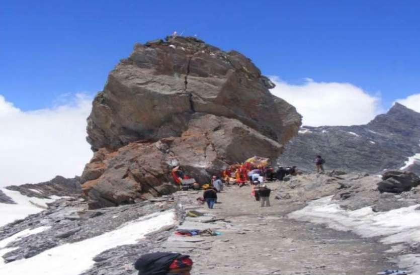 15 जुलाई से श्रीखंड की यात्रा, 18500 फीट ऊंची पहाड़ी पर हैं महादेव
