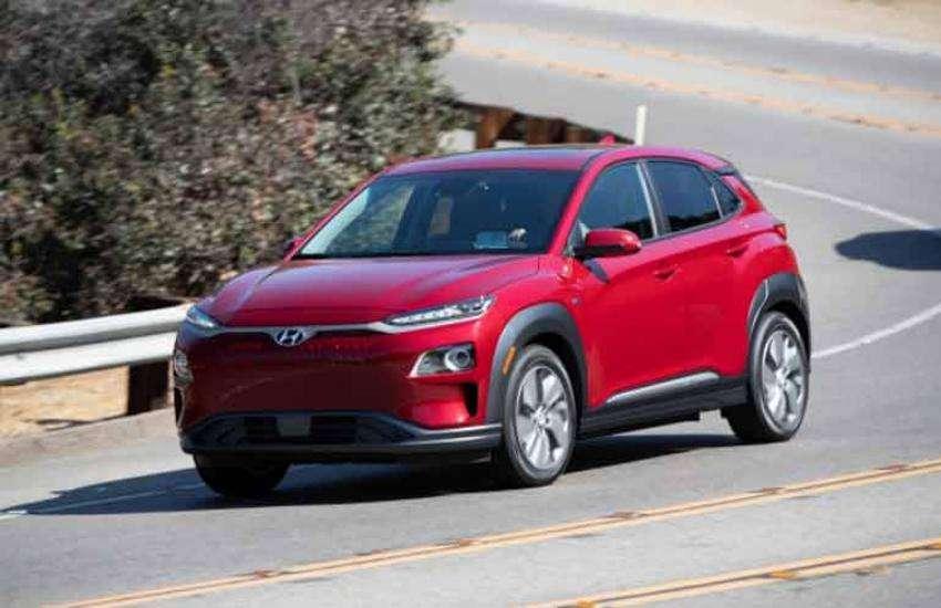 Kona Electric SUV: वेंटिलेटेड सीट्स से लेकर जबरदस्त लुक्स तक, बेहद ख़ास है Hyundai की पहली इलेक्ट्रिक कार