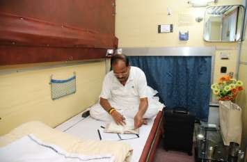 मुख्यमंत्री रघुवर दास को सोने से पहले पढ़ना-लिखना पसंद