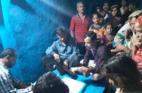रात के अंधेरे में ढूंढ़े जा रहे कृमि, लोगों को गंभीर बीमारी से बचाने इस जिले में शुरू हुआ नाइट ब्लड सर्वे
