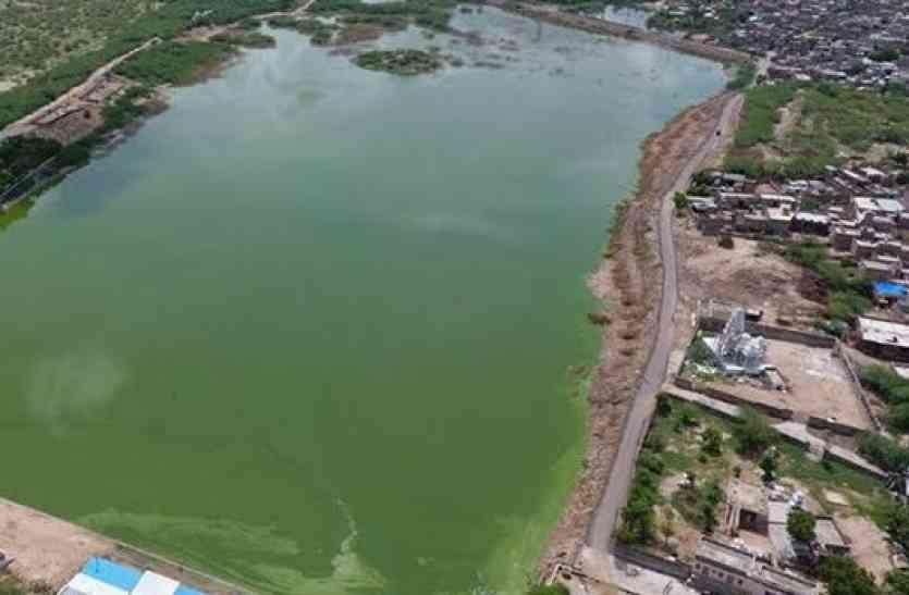 इतना बड़ा था जालोर का सुंदेलाव तालाब, और अब रह गया इतना...