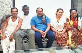 200 रुपए का कर्ज लौटाने मुंबई आए केन्या के सांसद, दरवाज़ा खोलते ही शख्स की आंखे हुई नम