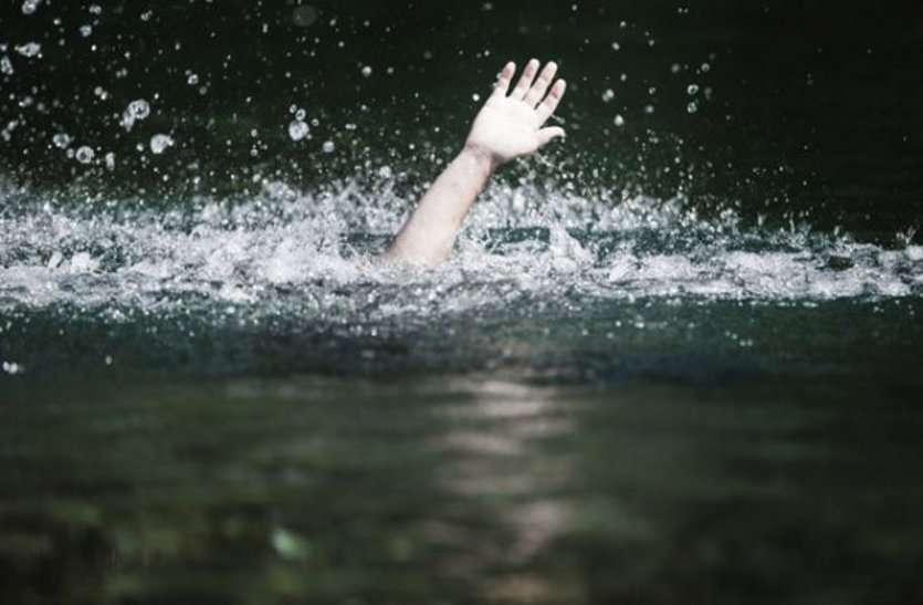 कितनी और मांओं को रुलाओगे, उदयपुर की झीलों में आखिर ऐसा कब तक होगा रहेगा !