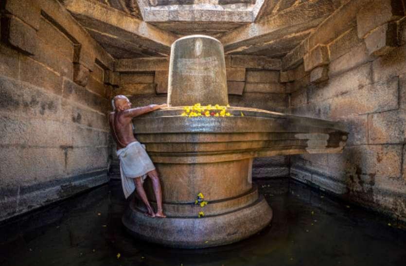 सावन में 6 धाराओं से करें अभिषेक, सभी मनोकामना पूर्ण करेंगे भगवान शिव