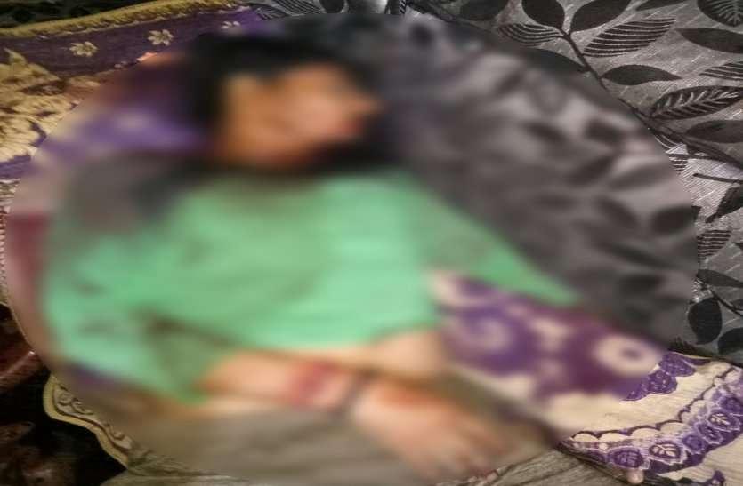 Breaking : सेंवढ़ा में मां-बेटे की हत्या, घर में मिली लाश