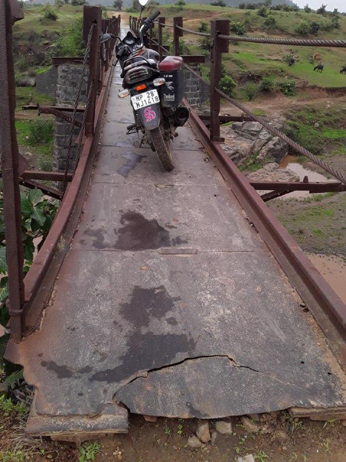 100साल पुराना है लोहा पुल