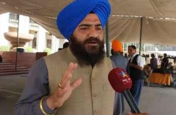 करतारपुर पर बैठक से पहले दबाव में पाकिस्तान, खालिस्तान समर्थक गोपाल सिंह चावला की छुट्टी