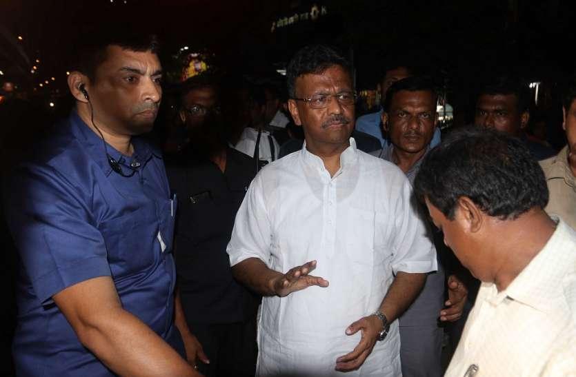 Kolkata: मेट्रो ट्रेन के गेट में फंसा यात्री का हाथ, चली ट्रेन, मौत