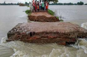 बाढ़ से मची हाहाकार, भारी बारिश से उफान पर उत्तर प्रदेश की कई नदियां, अलर्ट पर प्रशासन