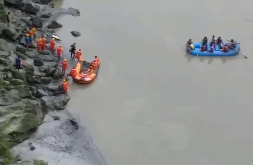 Car Fell In Teesta River: Search Operation Intervened By Om Birla