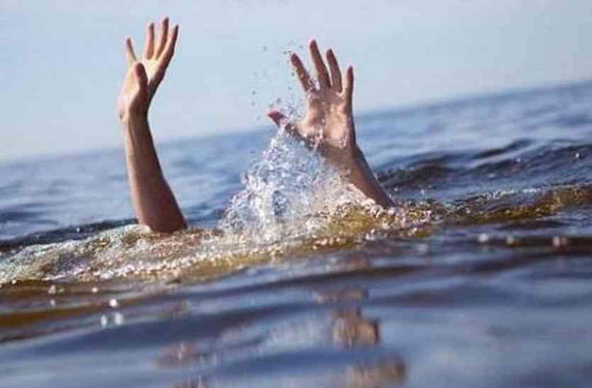रुद्री बैराज में नहाते समय तेज बहाव में बहा बालक, ग्रील में फंसी लाश को रेस्क्यू अभियान चलाकर निकाला बाहर