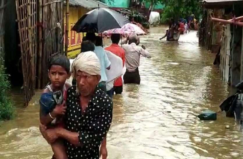 बिहार: 6 जिलों में घुसा बाढ़ का पानी, 3 की मौत, सड़क-रेल यातायात ठप